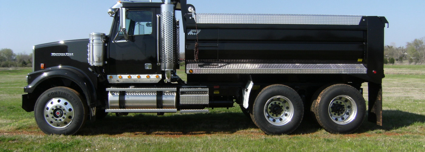 Black WS-700 Body on Black Western Star