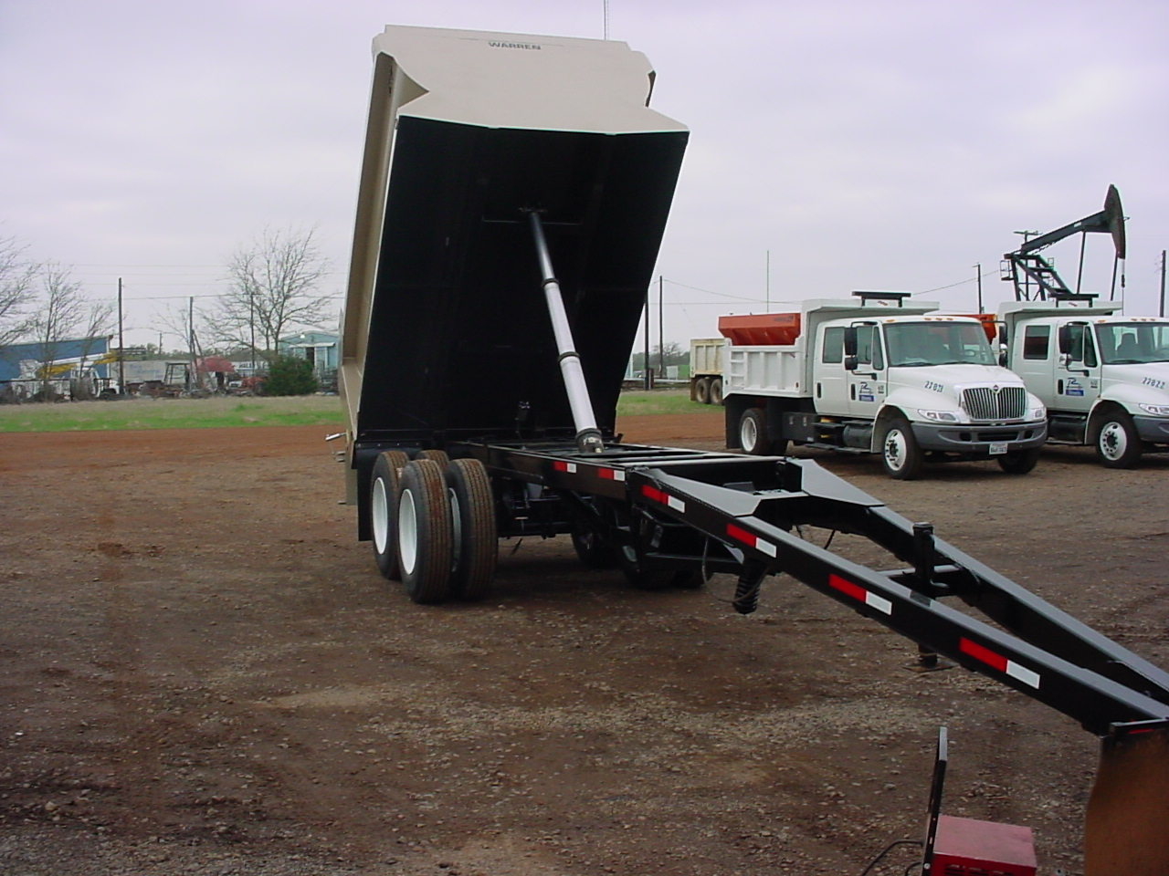 Pup Trailer Telescopic Cylinder